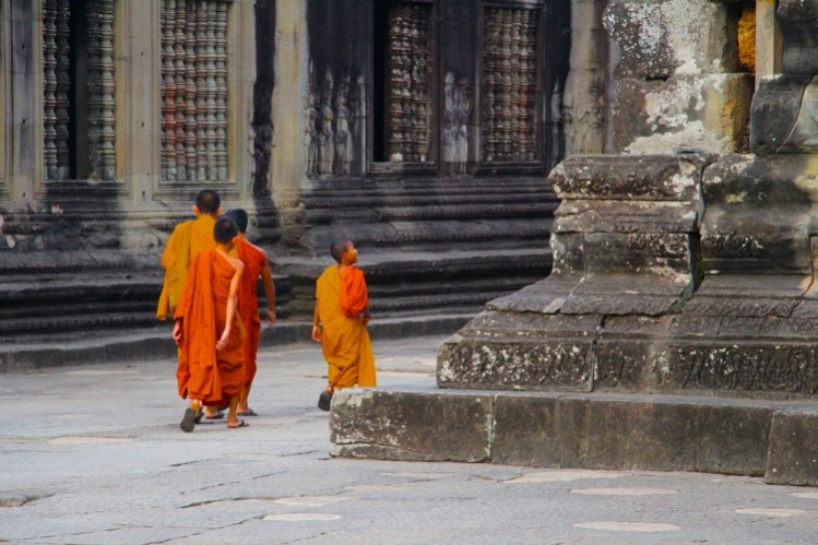 03 Siem Reap monks
